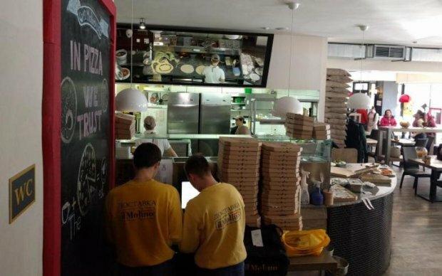 Три нахабних киянина натрощилися піци на тюремний термін