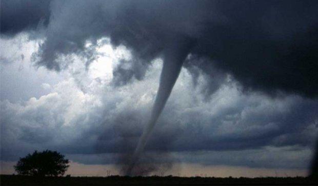 Торнадо позривав дахи будинків у селі на Полтавщині