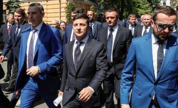 Головне за ніч: розмова Зеленського з Путіним, повернення моряків, справи проти Порошенка та зарплати українців