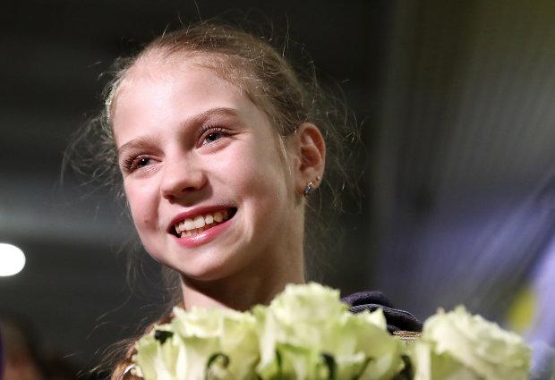 Юна спортсменка поставила світовий рекорд у фігурному катанні: епічне відео