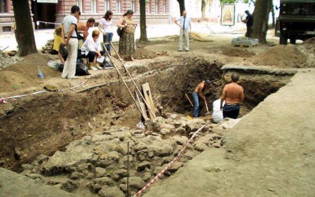 """Аби не прокляття: українські археологи випадково розкопали могилу """"відьми"""""""