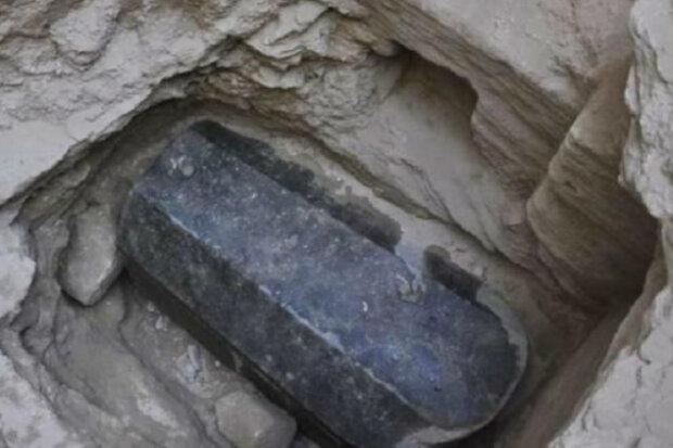 Саркофаг в Египте, Хвиля
