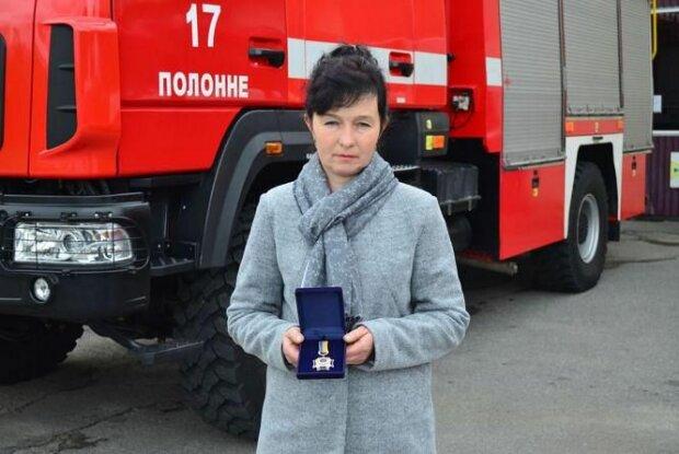 Хмельниччанка вынесла из горящего дома двух детей, фото ГУ ГСЧС в области