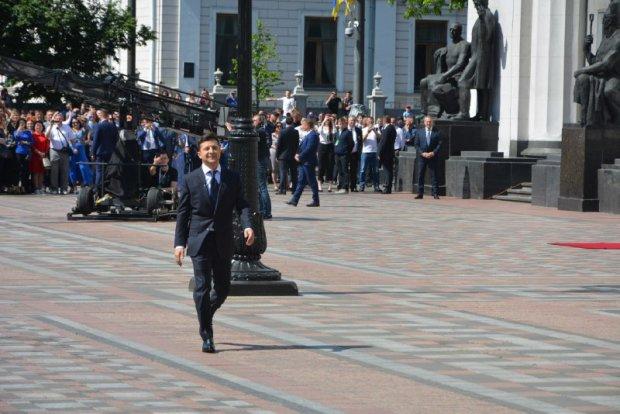 """Зеленський відреагував на протест проти себе у Рівному: """"Закликаю МВС"""""""