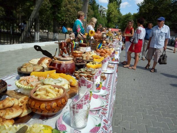 На Львівщині наїлися вареників: обскакали самого Поплавського