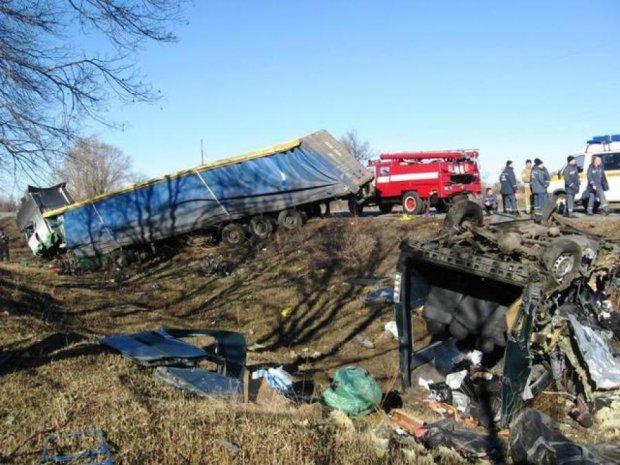 У страшному ДТП на Полтавщині загинули 7 осіб