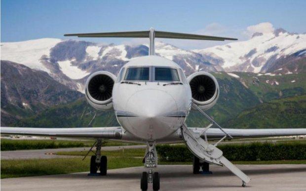 Вижила тільки дитина: пасажирський літак потрапив у страшну авіакатастрофу