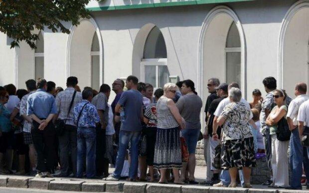 Курс валют на лето: украинцев предупредили о выходках доллара