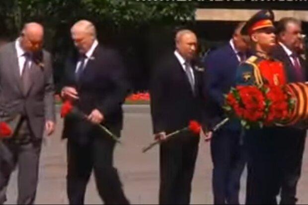 Бацька образився — Лукашенко послав Путіну німий сигнал на параді в Москві