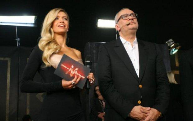 """Фото дня: Брежнева впервые """"заселфилась"""" с супругом"""