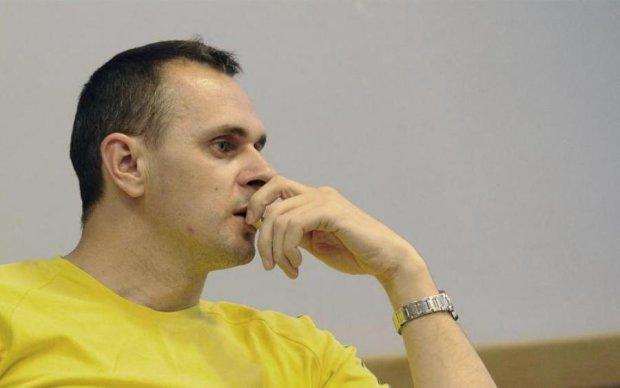 Второй месяц голодовки: у Сенцова начали отказывать органы