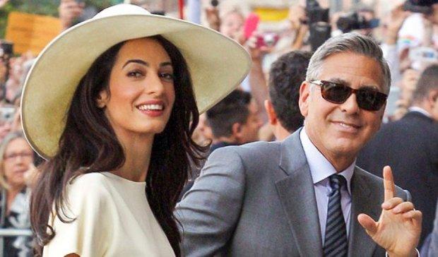 Джордж Клуни привел на премьеру нового фильма красавицу-жену