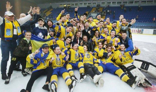 Збірна України з хокею у видовищному матчі перемогла італійців