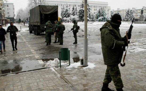 """Одумались? В Луганске после бунта заметили """"российских фашистов"""""""
