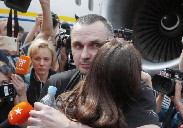Головне за день 9 вересня: збій ПриватБанку, нове випробування для Сенцова та запуск російських соцмереж