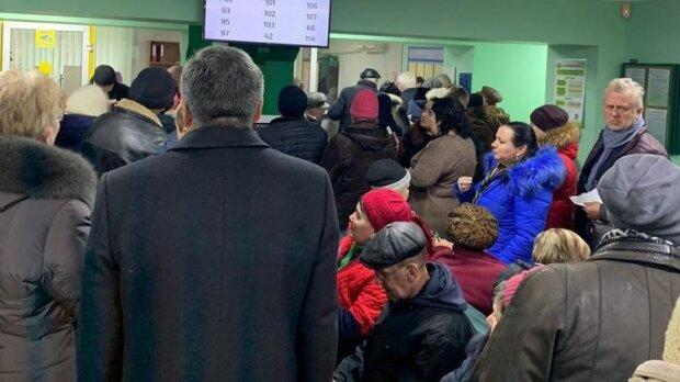 В Украине пенсионерам вспомнили предвыборные 2 тысячи: как изменились выплаты, и что будет дальше