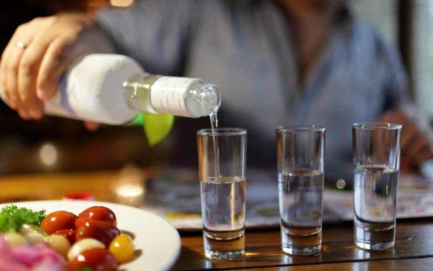 Небезпечно для життя: чим краще не закушувати алкоголь