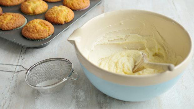 Рецепт справжнього вершкового крему для ваших десертів
