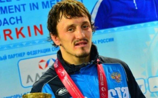 В России борец и депутат отправили тренера в мир иной, но он вернулся