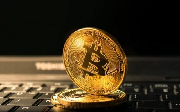Bitcoin резко упал: прогнозы аналитиков