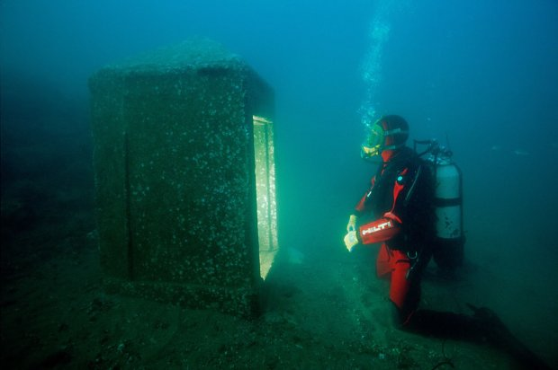 """Нашли знаменитый авианосец """"Хорнет"""" времен Второй мировой войны: 77 лет в океане почти не сказались"""