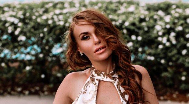 """Слава Каминская в бикини показала Бали роскошную грудь: """"Главное - счастливые глаза"""""""