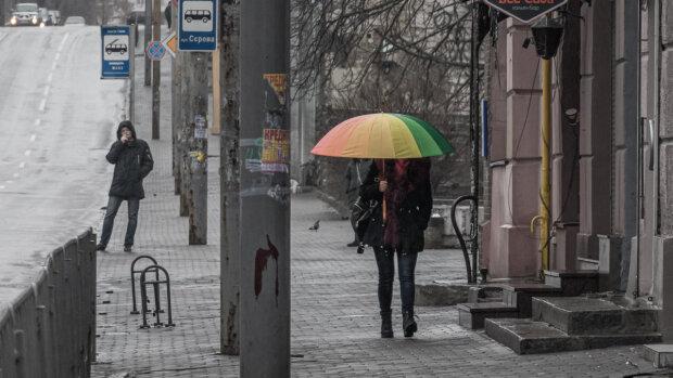 Франківськ накриє стіна з дощу і снігу, зима з'їхала з ґлузду 11 лютого