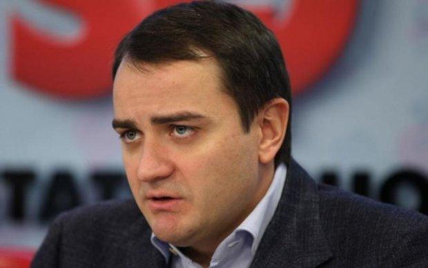 Порошенко уволит и посадит Павелко – соответствующая петиция к президенту собрала необходимые 25 тыс. подписей