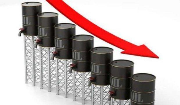 Цена барреля нефти опустилась ниже 50 долларов