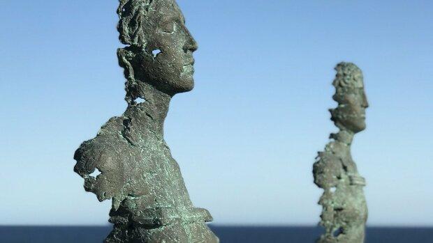 Стал первым: днепровский скульптор покорил международную выставку в Сиднее