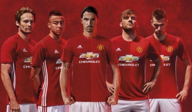 "Adidas сшил оригинальную форму для ""Манчестер Юнайтед"""