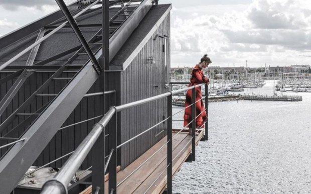 Отдых с изюминкой: портовый кран использовали не по назначению