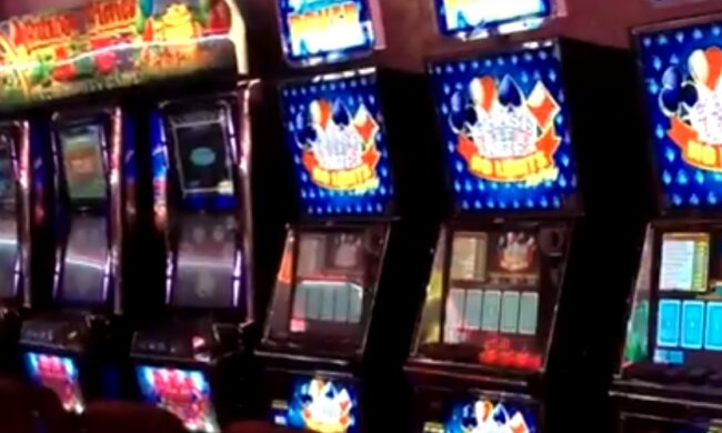 зал ігрових автоматів, скріншот