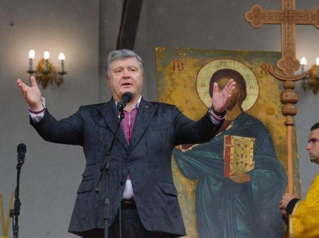 Порошенко підписав доленосний закон: московським попам прийшов кінець
