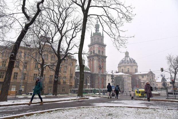Львів атакує хуртовина та ожеледь, стихія збожеволіє 30 січня
