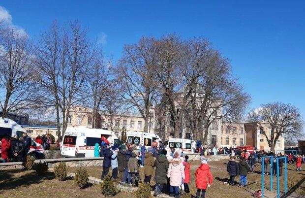 На Киевщине школьник отправил в больницу 16 детей, среди пострадавших - шестилетние