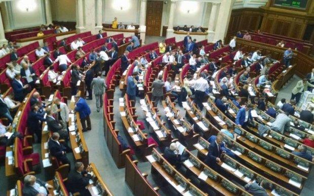 ЗМІ назвали депутатів, що чхати хотіли на заборону соцмереж