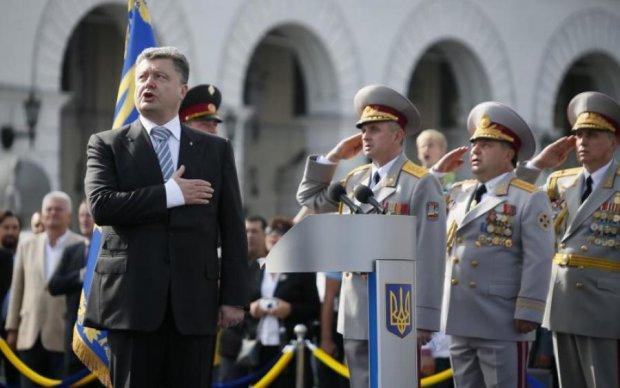 День Незалежності: Порошенко на параді, Кличко то тут, то там, а Тимошенко зачаїлася