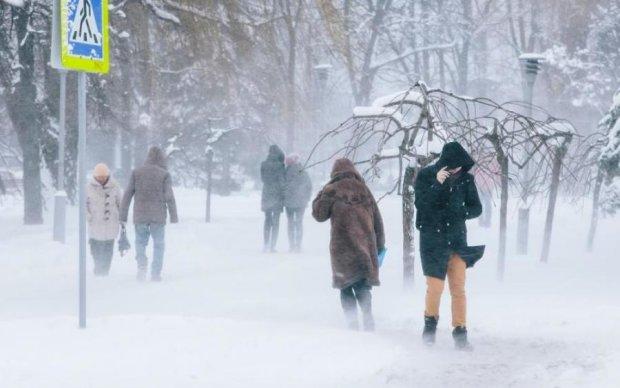 Зима не відпускає: українці опиняться у сніговому полоні