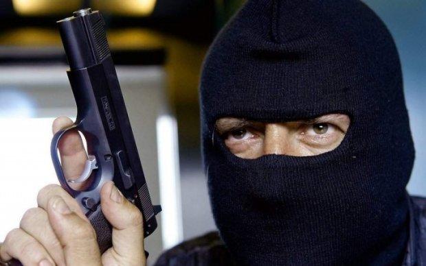 Банда российских гастролеров обнесла бизнесмена на Киевщине