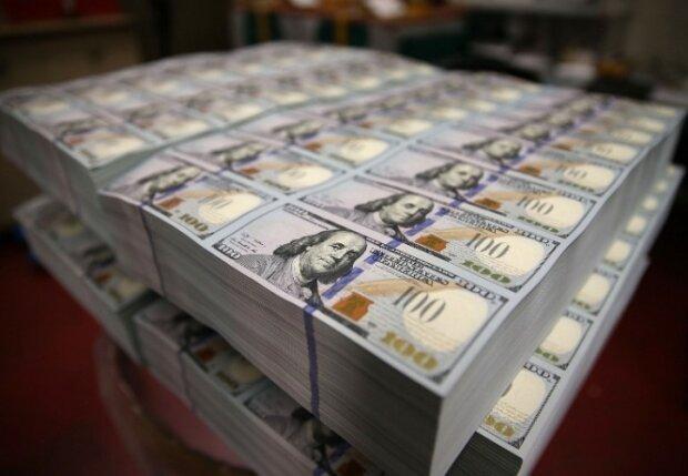 Долари, фото - iPress