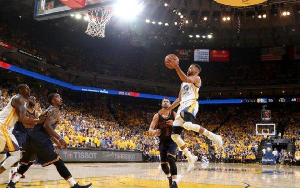 Голден Стейт - Клівленд: Найкращі моменти першого матчу фіналу НБА