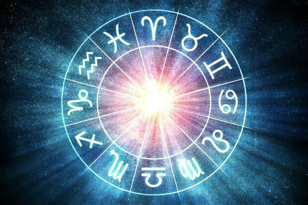 Гороскоп на 23 февраля для всех знаков Зодиака внесет разнообразие в жизнь Стрельцов и переживания для Водолеев