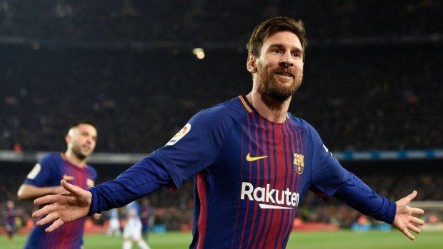 Дубль Месси принес Барселоне победу в каталонском дерби
