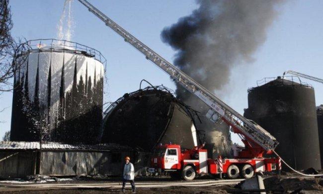 Семьи погибших в пожаре на нефтебазе получат по 200 тысяч гривен
