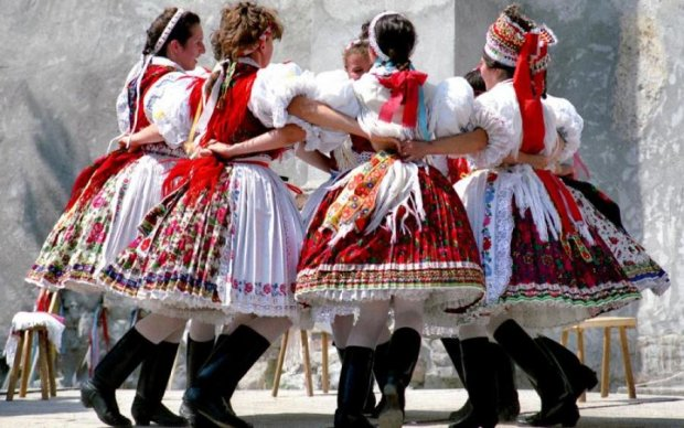 В Україні активізувались фейкові болгари з угорцями