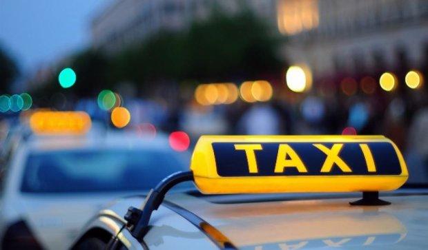 Полтавського таксиста засудили за сутенерство