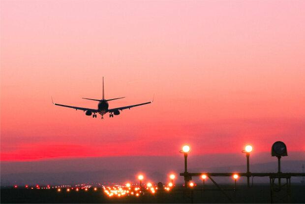 Самолет, фото - rg