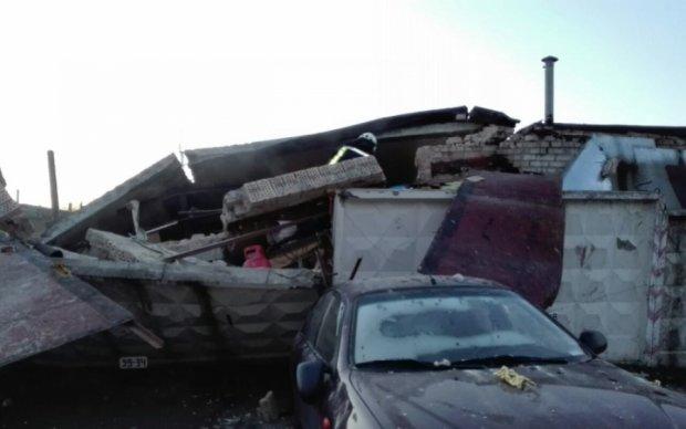Взрыв гаража на Троещине: под завалами нашли мужчину