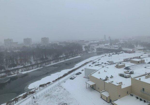 Снег в Сумах, фото: Znaj.ua